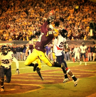 Tyrice Thompson with a thrilling TD reception in the Territorial Cup